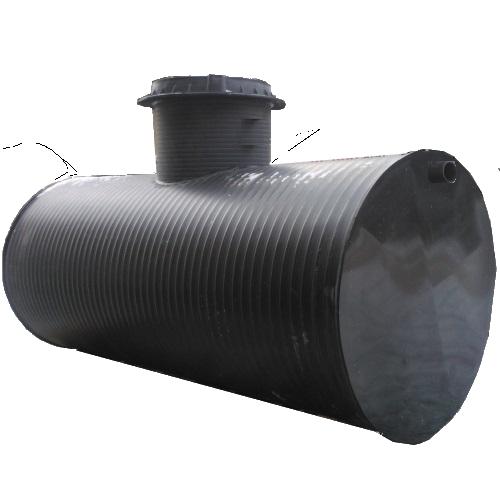 Промышленные жироуловители предназначены для устранения жира из сточных вод общественных и производственных зданий и могут использоваться в ресторанах, кафе, столовых, молокозаводах, мясокомбинатах, в которых сточные воды загрязнены большим количеством жира.  Данные жироотделители являются проточными, что означает, что сепарация водных масел и средне-стабильных эмульсий от остальных стоков производится в них механическим способом во время прохождения потока сточных вод через жироловку. В силу специфики механизма действия, жироуловитель способен также  задерживать легко опадающую взвесь, которая собирается в камере сбора осадка в нижней части жироотделителя.